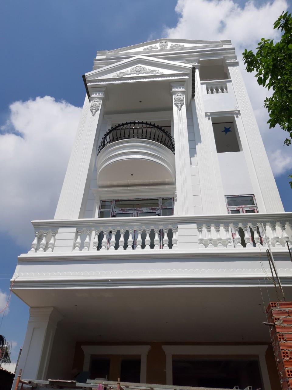 Nhà 4 tầng do Quang Phúc thi công